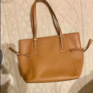 MK Voyager tote  Brown (not black as stock photo)